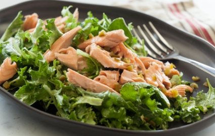 avocado-salmon-salad-with-kale-and-white-beans